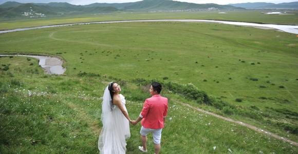红原月亮湾婚纱照