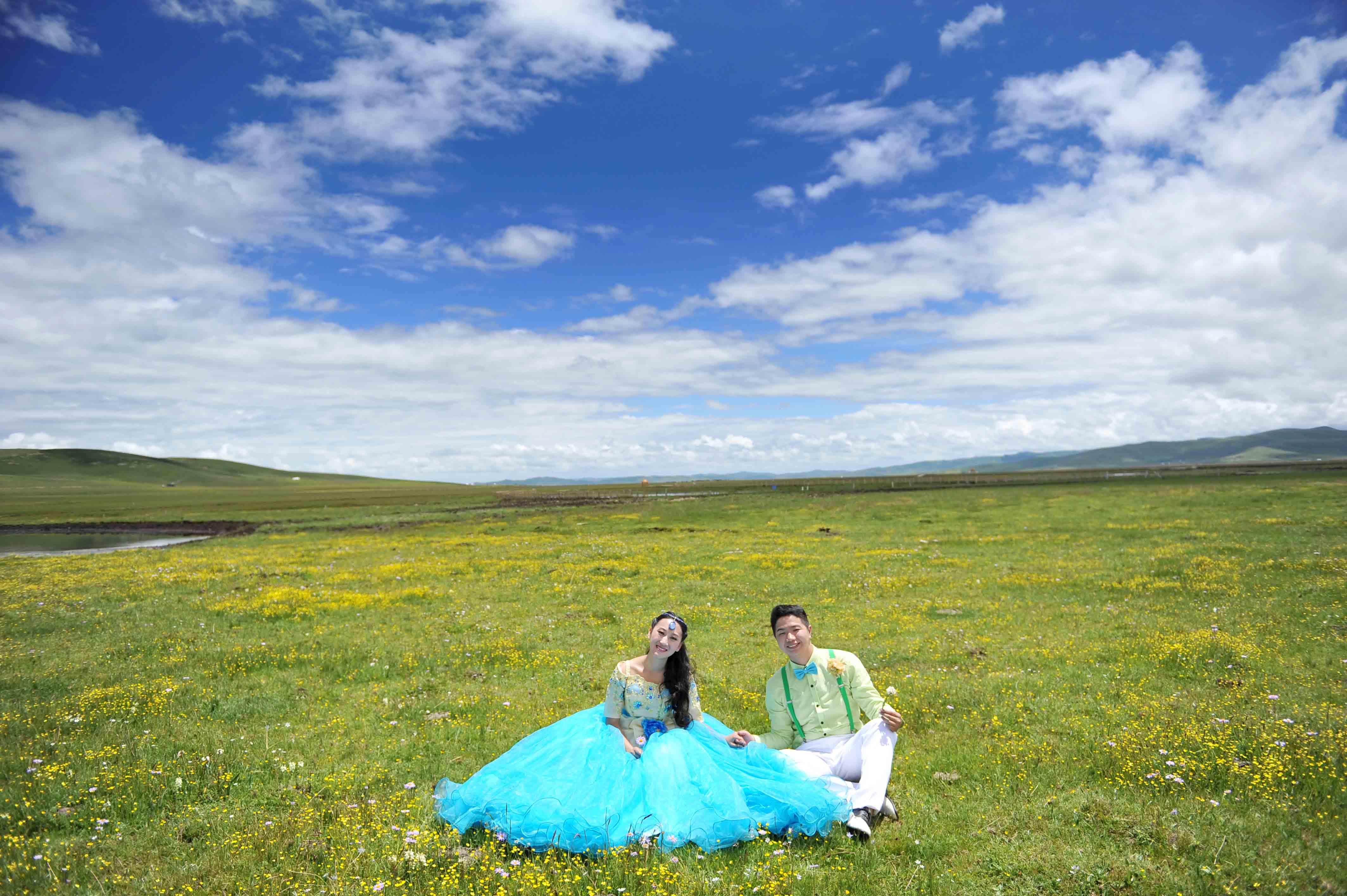 红原婚纱照,红原大草原婚纱照,红原拍婚纱照,红原大草原,红原大草原婚纱照图欣赏