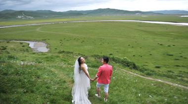 四川大草原上的婚纱照-红原大草原婚纱照团购价格-成都团购