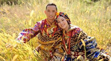 达古冰山藏式婚纱照